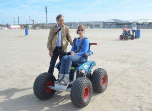 Actie strandrolstoelen in Hoek van Holland